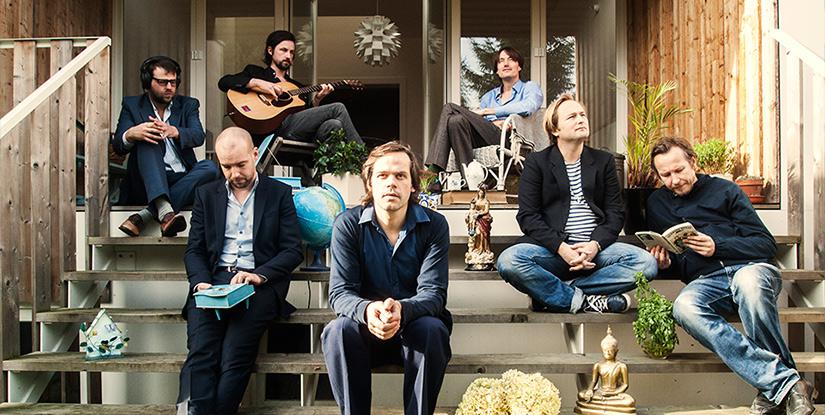 "The Go Find独家专访 – 以电音为名的普世之爱  ""这张专辑的歌词和音乐涵盖了爱情各个不同的方面,而不是那种'当男孩遇见女孩'式的全球通行的主题。"""