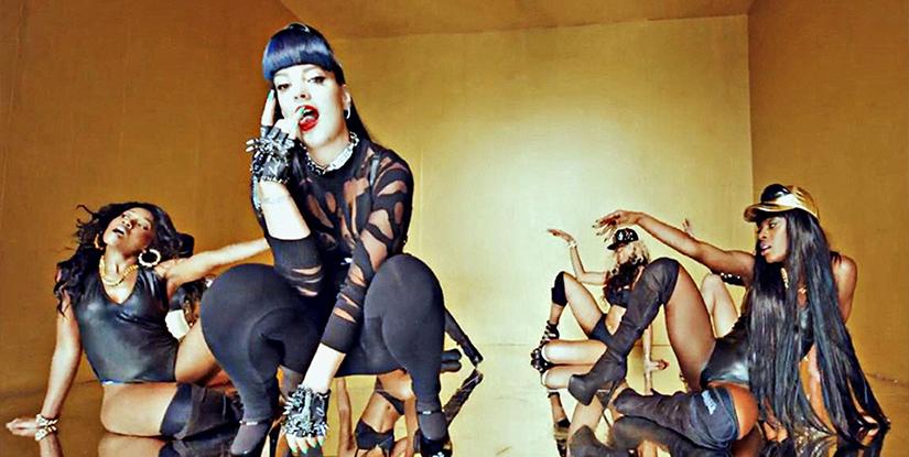 Twerking撩动了谁的脆弱神经?  流行女歌手声称使用Twerking旨在宣扬女性主义以及娱乐至上,但连锁反应产生的副作用却让她们吃不了兜着走。